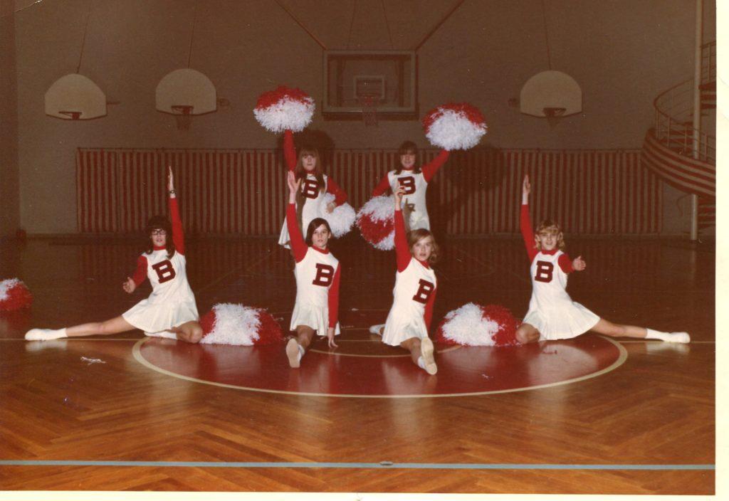 Bonn_JV_Cheerleaders_1969-1970_#2